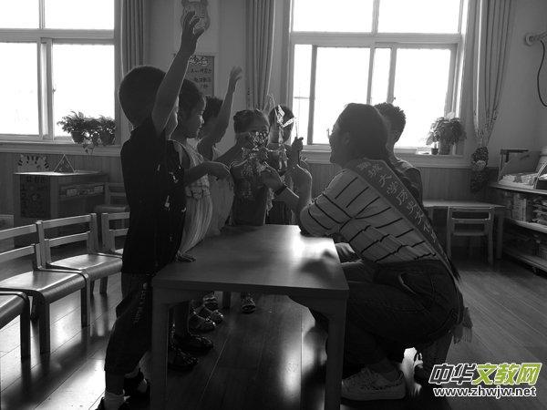 """万博manbetx官网网页版大学历史文化与旅游学院举办""""一口道尽千古事 双手对舞百万兵""""活动"""